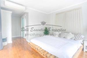 Berawa, 3 Bedrooms Bedrooms, ,3 BathroomsBathrooms,Villa for rent,For Rent,1352