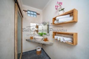 Canggu, 2 Bedrooms Bedrooms, ,2 BathroomsBathrooms,Villa for rent,For Rent,1354